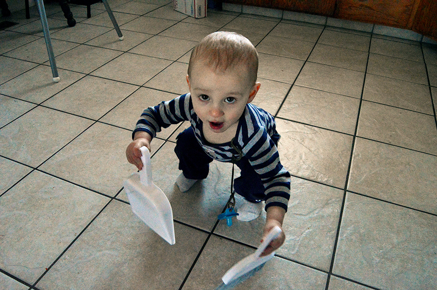 5 Ways Your Toddler Can Help Around the House | Homan at Home