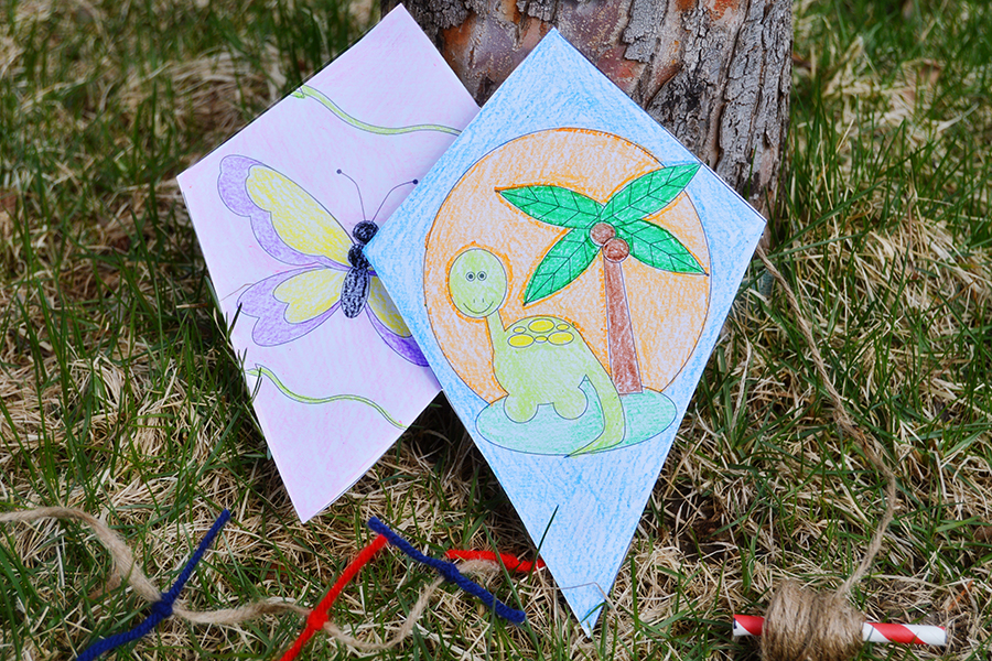 Color Your Own Paper Kites