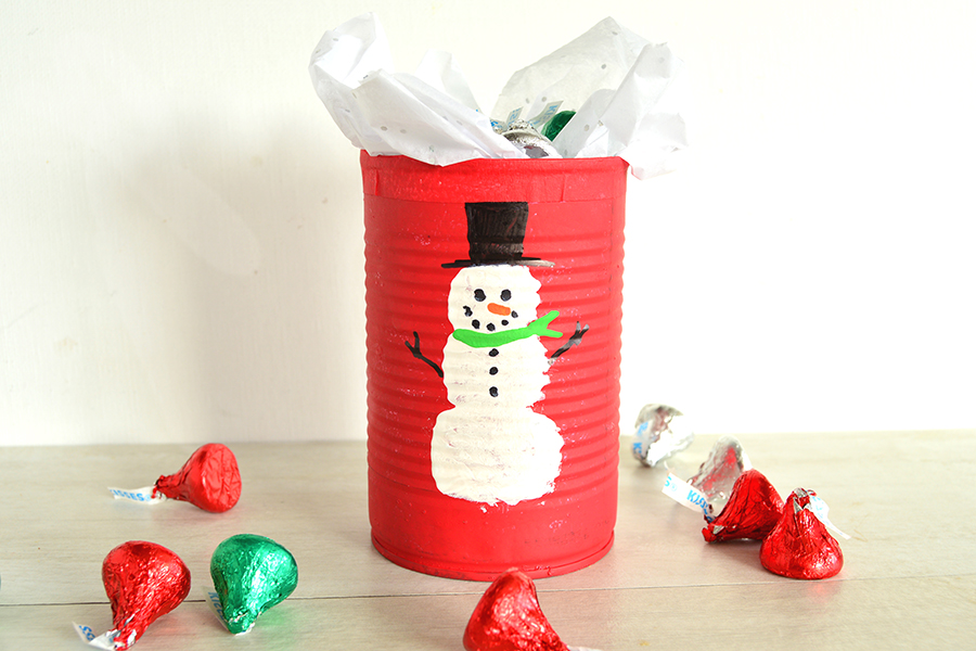 Christmas Candy Cans | Homan at Home
