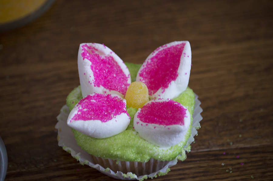 Easy Easter Cupcakes | Homan at Home