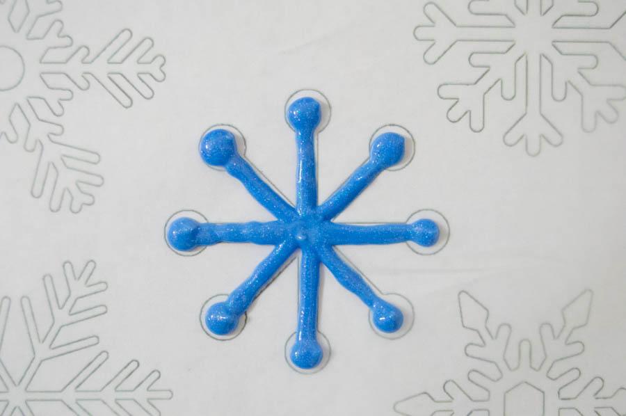 DIY Snowflake Window Clings | Homan at Home