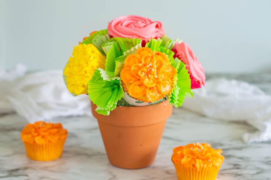 DIY Cupcake Bouquet | Homan at Home