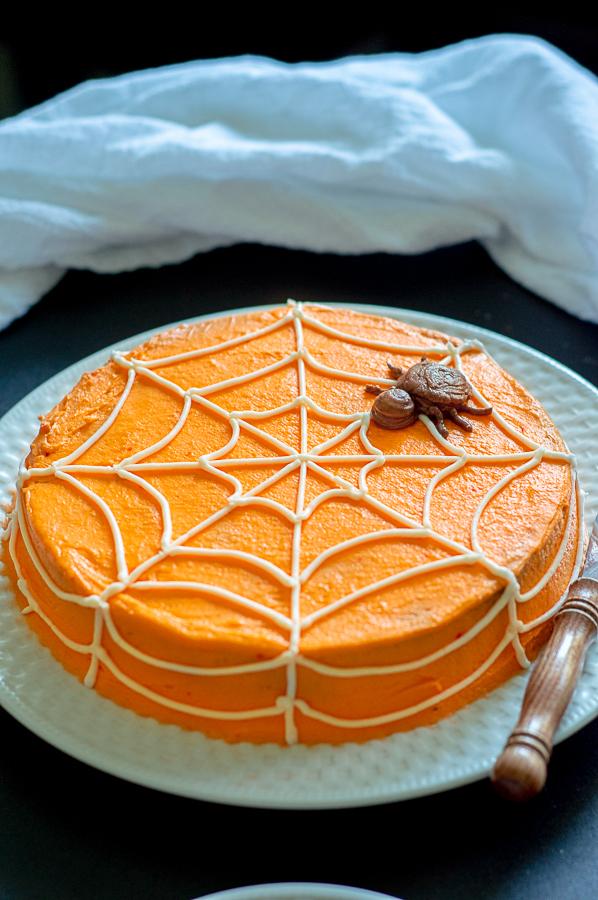 Simple Spiderweb Cake   Homan at Home